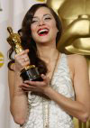 Marion Cotillard wins the Oscar for Best Actress