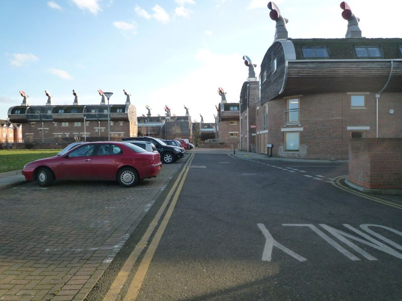 BedZED : its modern architecture, its windcowls.....its cars...